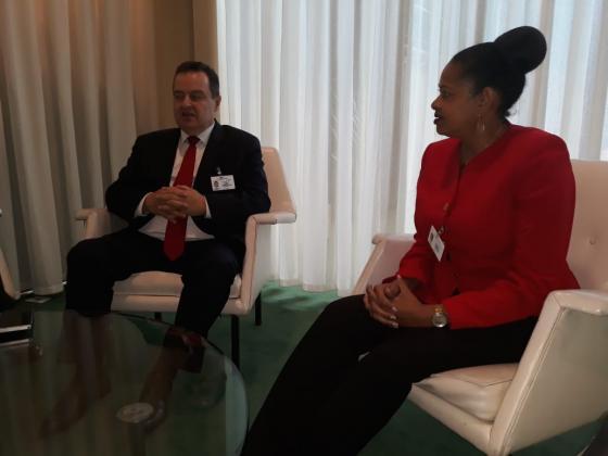 Secretaria General y Viceprimer Ministro de Serbia Discuten Avanzando la Cooperación