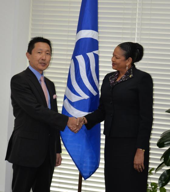 La Secrétaire Générale reçoit une visite de courtoisie de l'Ambassadeur du Japon