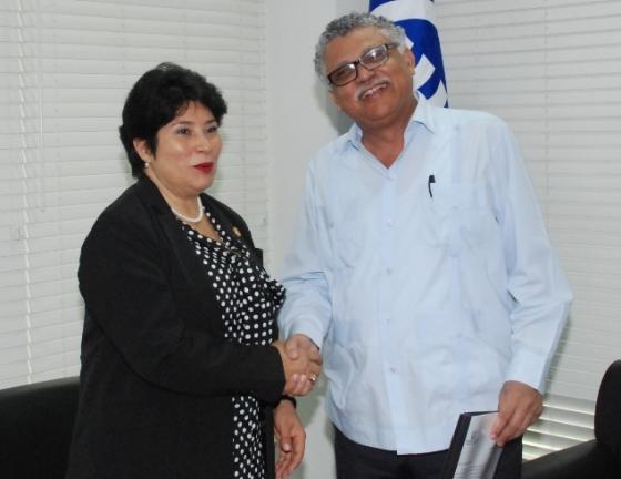 Le Secrétaire Général de l'AEC reçoit une visite de courtoisie de l'Ambassadrice du Panama