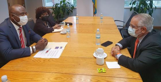 Secretary General Sabonge Meets with Bahamas