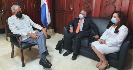 SG Sabonge Chats with Former SG Silié